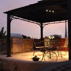 Landscape-lighting-patio